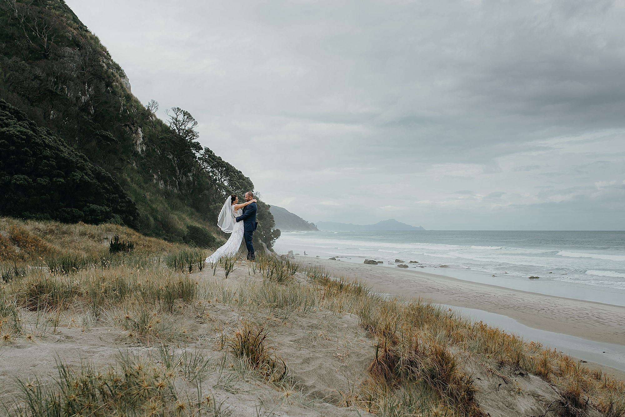 Mangawhai Weddings, beach wedding, Northland, photographer Jess Burges, NZIPP, summer, lace dress,
