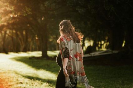 New Zealand Lifestyle maternity photographer Jess Burges